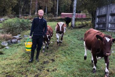 Thumbnail: Foto: Ole Espen Honnemyr kjøpte årets SenseHub-anlegg nr. 100 i Norge